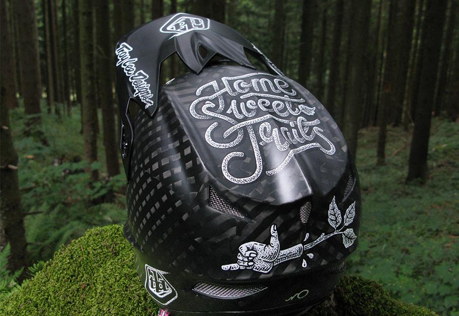 Home sweet Trails. Produktgrafik. Troy lee D3 helm. Custom Design. Helm design eines Mtb Helm.